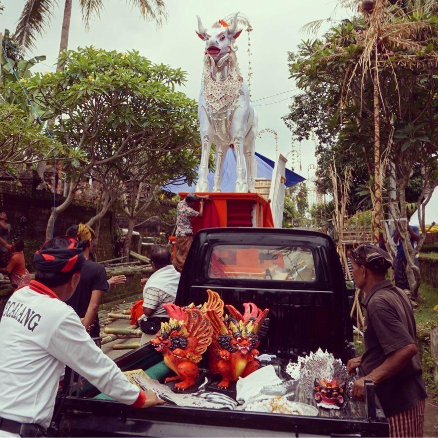 Cow statue in Bali